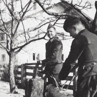 2 gefangene russische Solaten. Name Feodor und Anatol.