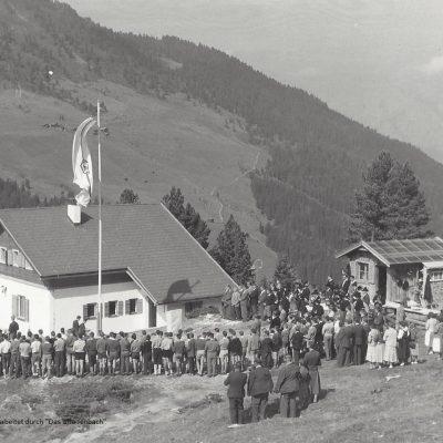 Das Bergheim in der Nafing für die Lehrlinge der Jenbacher Werke wurde am 21 September im Rahmen einer schlichten Feier seiner Bestimmung übergeben.