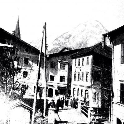 Blick auf das Esterhammerhaus um das Jahr 1903.