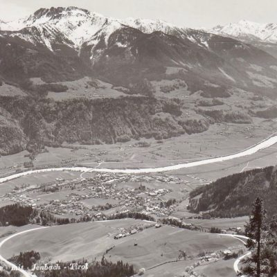 Blick auf Jenbach und St. Margarethen in 50er Jahren. Schön ist auch der Gasthof Rieder zusehen.