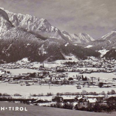 Das tief winterliche Jenbach im Jahr 1954.