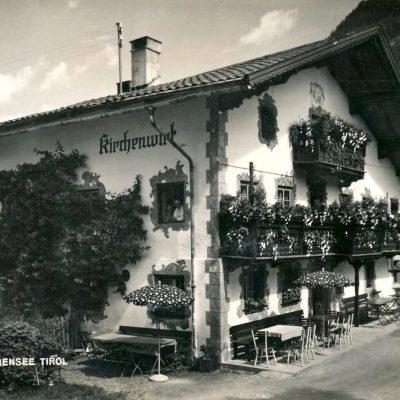 Der Kirchenwirt in Eben am Achensee im Jahr 1955.