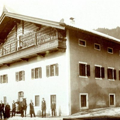 Einer der ersten Häuser die in Jenbach gebaut wurden. Die Aufnahme stammt aus dem Jahr 1926. Vielen Dank an Herrn Widauer für das Foto.