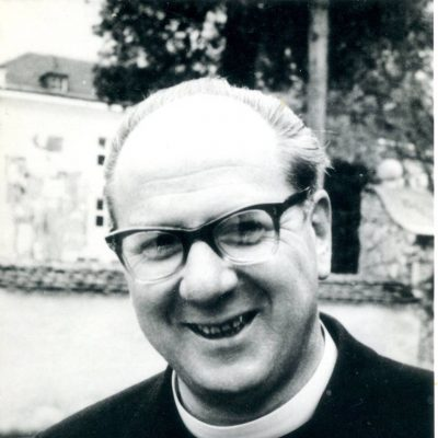 Herr Pfarrer Nikolaus Pfeifauf, das Bild stammt aus den 60er Jahren. Vielen Dank an Herrn Widauer für das Foto.