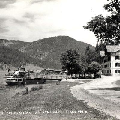 Ansicht auf das Hotel im Jahr 1957.