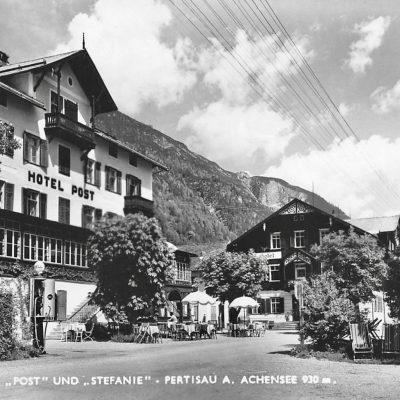 Hotel Post und Stefanie in Pertisau am Achensee. Das Foto stammt aus den frühen 60er Jahren.