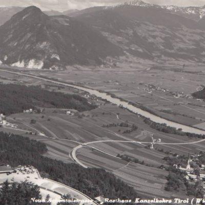 Blick auf die Kanzelkehre in den 50er Jahren. Der Brettfalltunnel ist noch nicht gebaut, ebenso fehlt die Autobahn. Vielen Dank an Frau Silvia Hunschofsky für das tolle Foto!