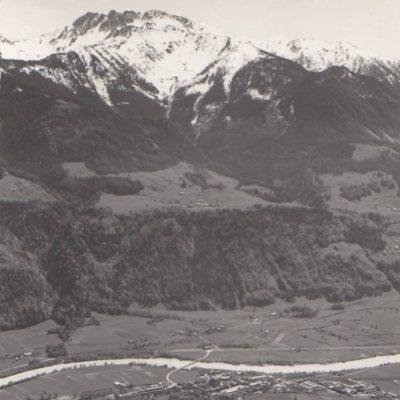 Blick auf Jenbach und St. Margarethen in 50er Jahren. Vielen Dank an Frau Silvia Hunschofsky für das tolle Foto!