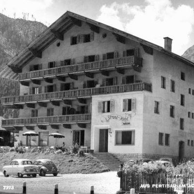 Das Strandhotel in Pertisau in den 50er Jahren.