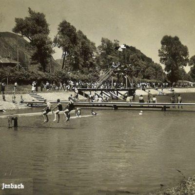 Ein heißer Sommertag im Jenbacher Strandbad. Die Aufnahme stammt aus dem Jahr 1935.