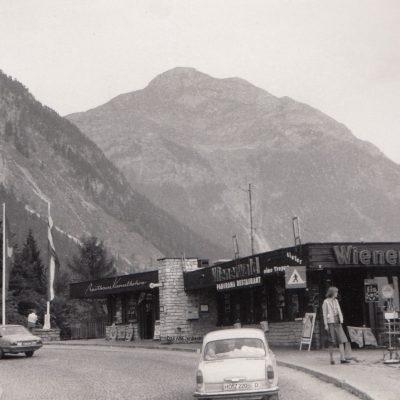 Blick auf das Rasthaus Kanzelkehre in den 70er Jahren. Herzlichen Dank an Frau Silvia Hunschofsky für das tolle Foto!