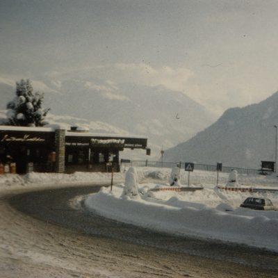 Langsam zieht der Winter in Jenbach ein. Auf der alten Kanzelkehre ist er schon da. Vielen Dank an Frau Silvia Hunschofsky für das tolle Foto!