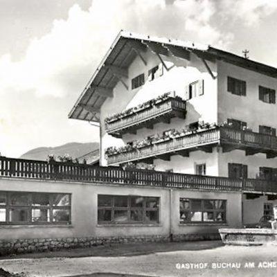 Das Hotel Buchau am Achensee im Jahr 1954.