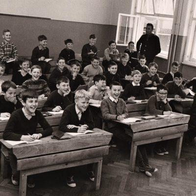 Schuljahr 1966/1967 - Foto stammt von Herrn Helmut Hammer.